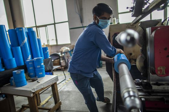 Factories Tip-Toe Back After India Partially Lifts Lockdown