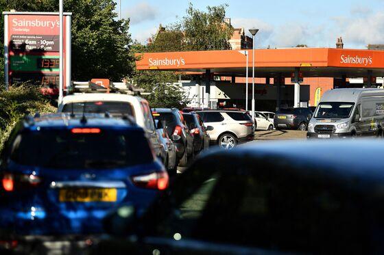 U.K. May Ease Trucker Visas; EG Caps Fuel Buying: Energy Crisis