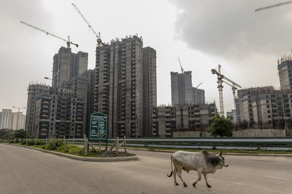 helpless homebuyers thwart india s quick fix for bad debt bloomberg