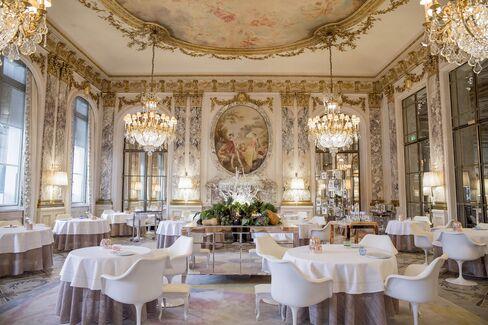 Restaurant Le Maurice, perhaps Paris's most opulent new dining room.