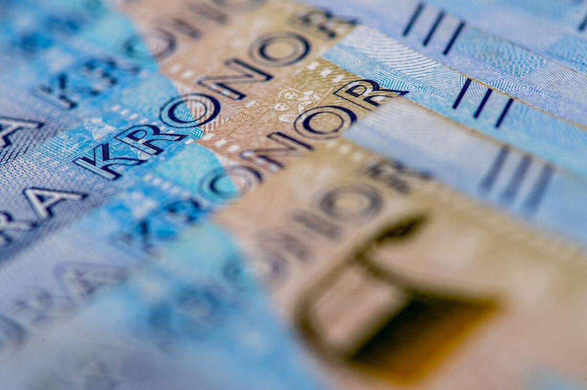 Swedish Manager of $70 Billion Is Making 'Loads' Off Weak Krona