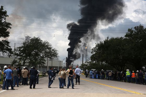 Exxon's Texas Complex Spews Fire, Prompting Shelter Warning