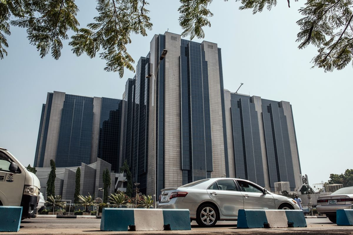 Nigerian Central Bank Keeps Analysts Guessing on Rates