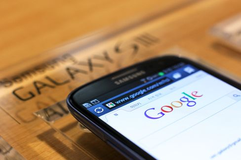 Why Only Samsung Builds Phones That Outsell iPhones