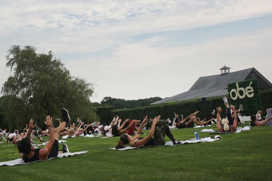 The Hamptons Set Sweats; Wilbur Ross Says Economy Is Humming