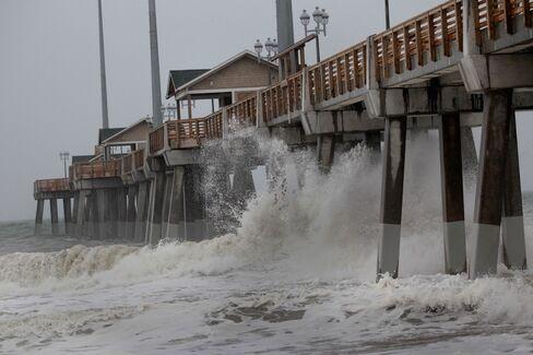 Hurricane Irene Makes Landfall in North Carolina