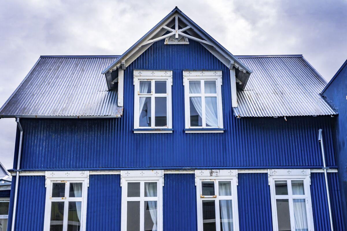 How Reykjavik's Sheet-Metal Homes Beat the Icelandic Winter