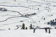 Skiers at Jackson Hole Ski, Jackson Hole, Wyoming, United States of America, North America