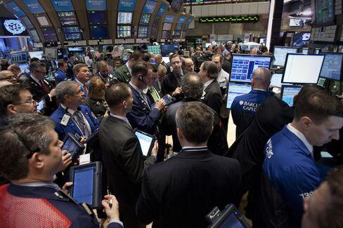U.S. Stocks Gain as Apple Rallies