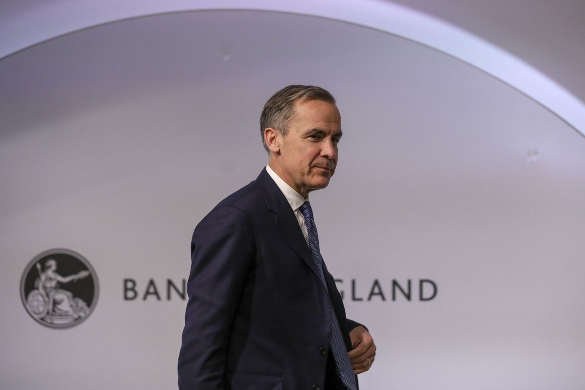 Johnson's U.K. Spending Plans Get Backing From Carney