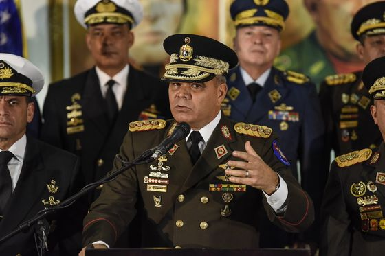 As U.S. Digs In at Embassy, Venezuela Military Supports Maduro