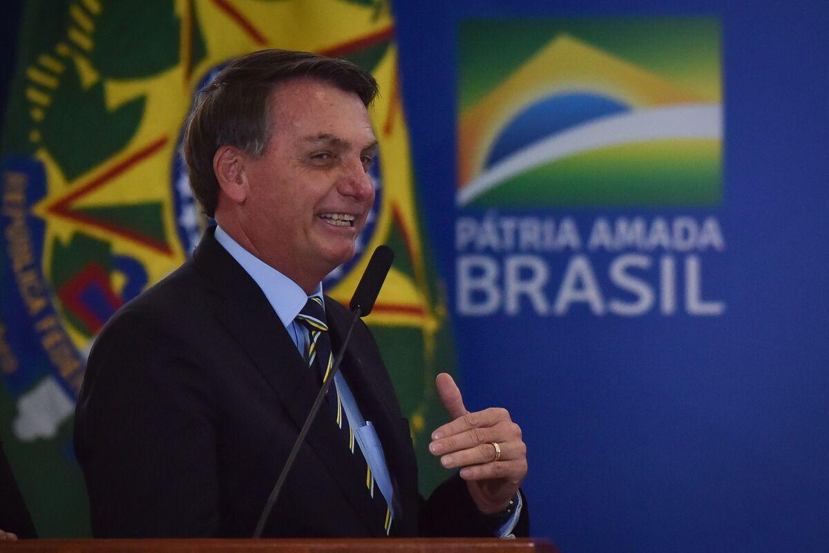 Cornered by Crises, Bolsonaro Adopts 'Peace and Love' Style