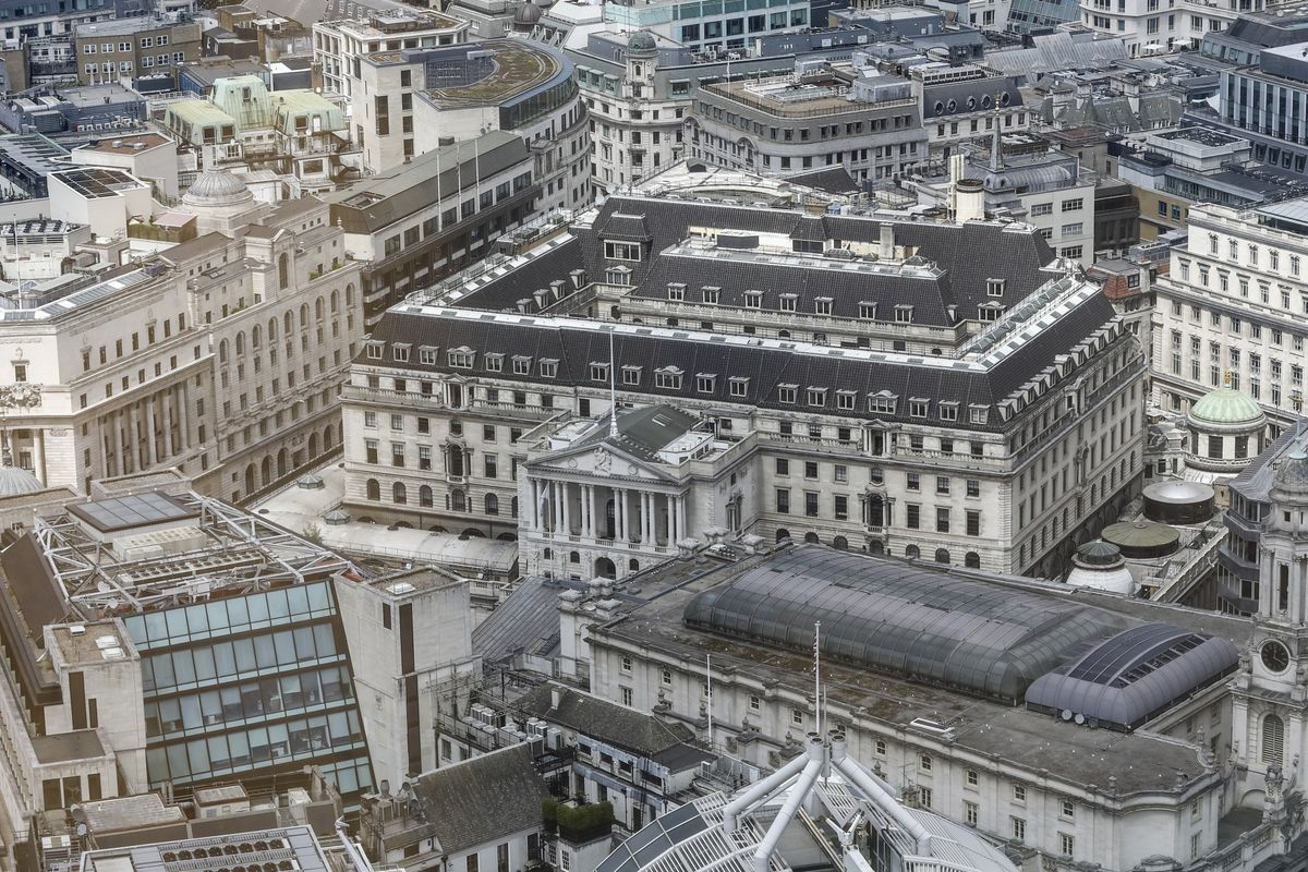 Someone's Stacking Bets a Hard Brexit Will Make BOE Slash Rates
