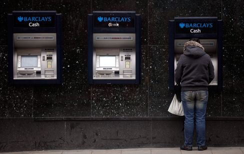 Barclays to Repay Swaps Customers as RBS, Lloyds Join Settlement