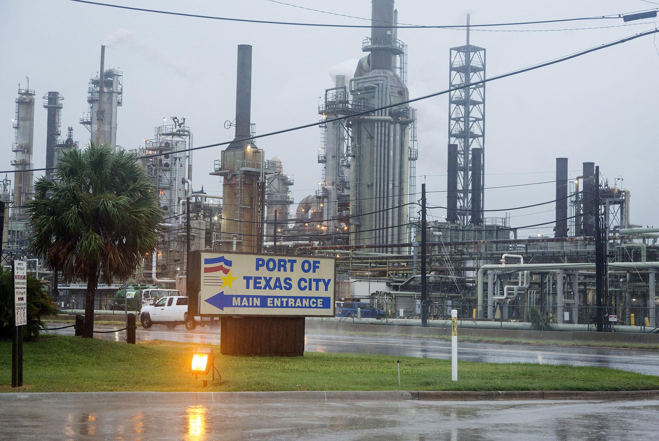 Marathon Oil Stock Quote Mpcnew York Stock Quote  Marathon Petroleum Corp  Bloomberg Markets