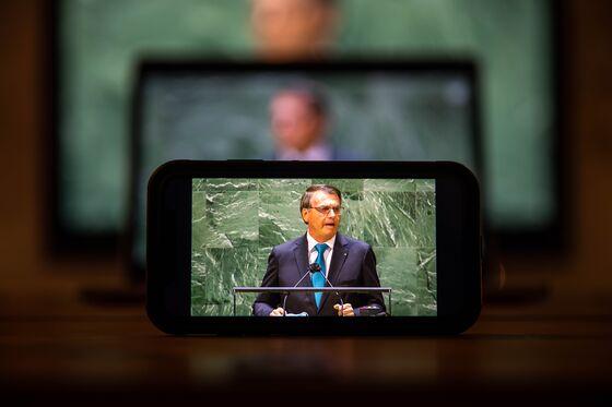 Bolsonaro, Entering Campaign Mode, Plans to Give More Covid Cash