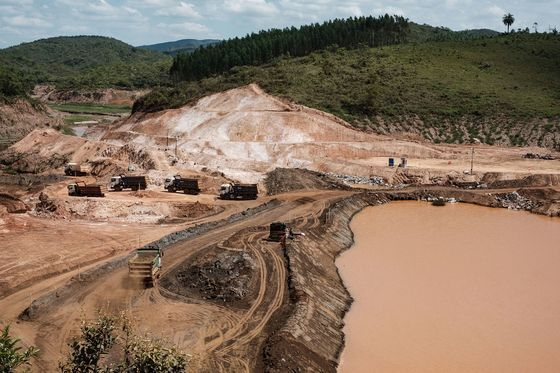 Vale Bolsters Case for Takeover of BHP JV With Acquisition