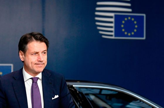 Italy Studying Lower Deficit Goal After EU Talks: Budget Update