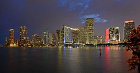 Miami Bid to Grow Global Hub Faces Small-Business Reality