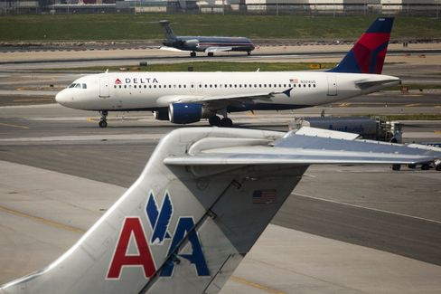 U.S. Airline Surcharges Set Record as Oil Prices Climb