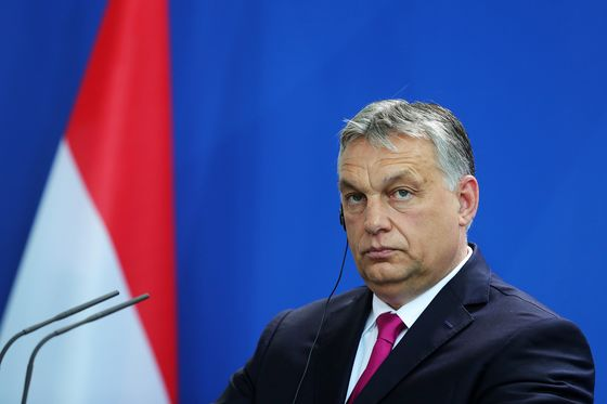 Hungary Censured as European Showdown Over Populism Takes Shape