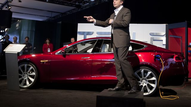 Tesla S Latest Rival Looks A Lot Like Its German Alter Ego Bloomberg