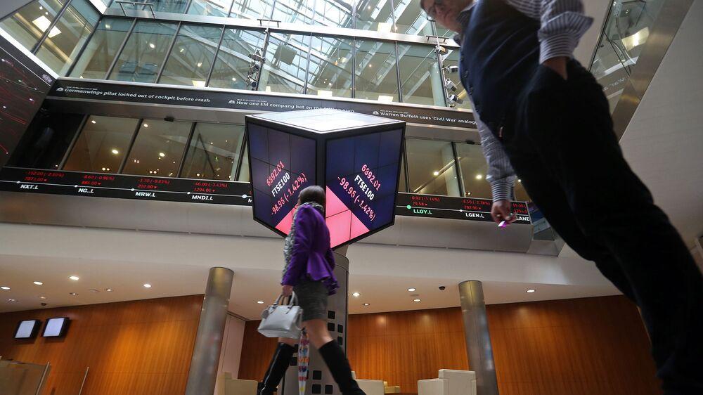 Sudden Swings in HSBC, Vodafone Recall Past Trading Errors