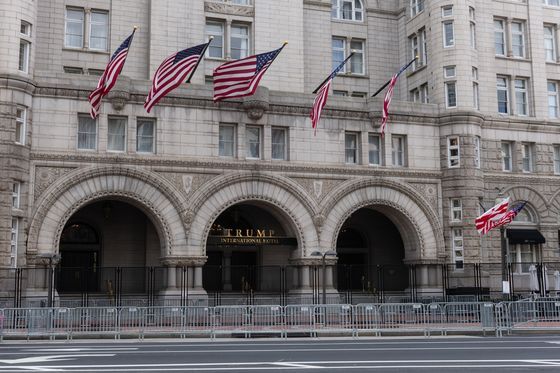 Trump Turns to Lutnick's Newmark to Sell Washington Hotel
