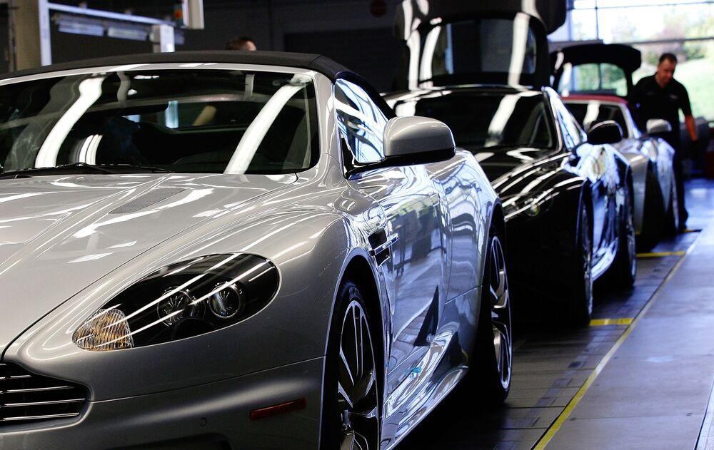 Used Aston Martin >> Aston Martin Gets Lift From Investindustrial Kuwait Bloomberg