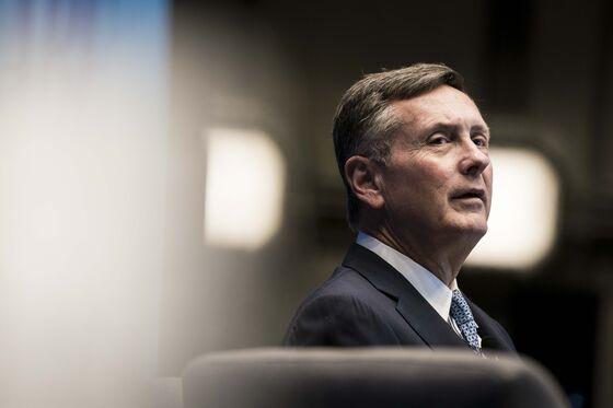 Clarida Says Fed May Begin Talking Taper at Coming Meetings