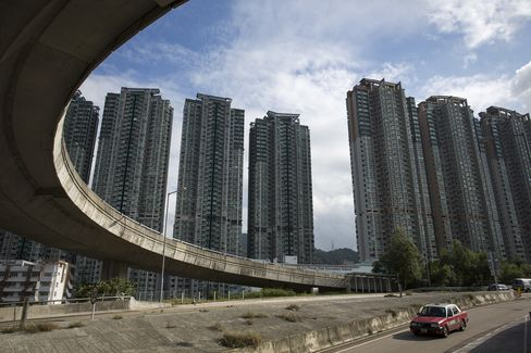 Hong Kong Weekend Property Sales Decline on Doubled Stamp Duty