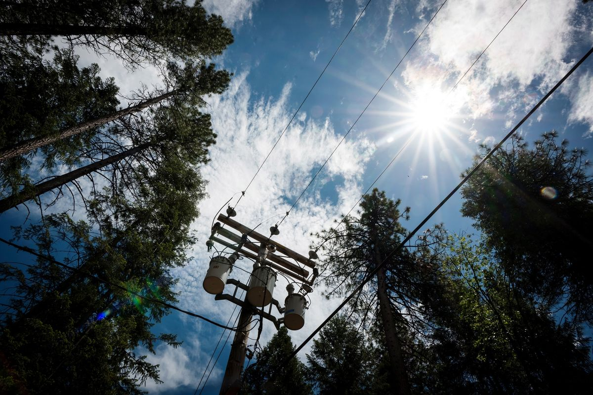 Edison Joins PG&E in Cutting Power as Risk of Wildfires Looms