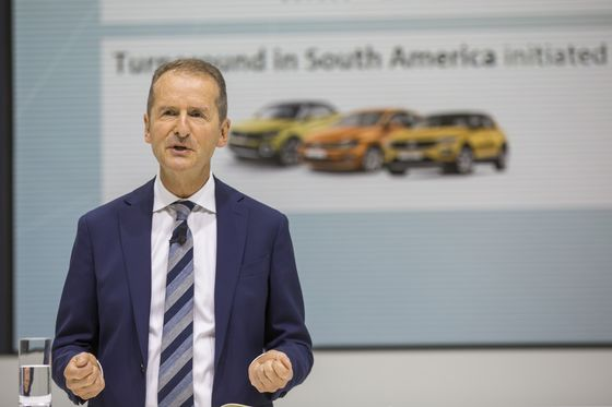 VW Needs `Titanic' Effort to Conquer Emissions, Trade Issues