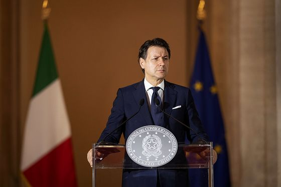 Conte's Chameleon Act Gives Him Staying Power in Italian Crisis