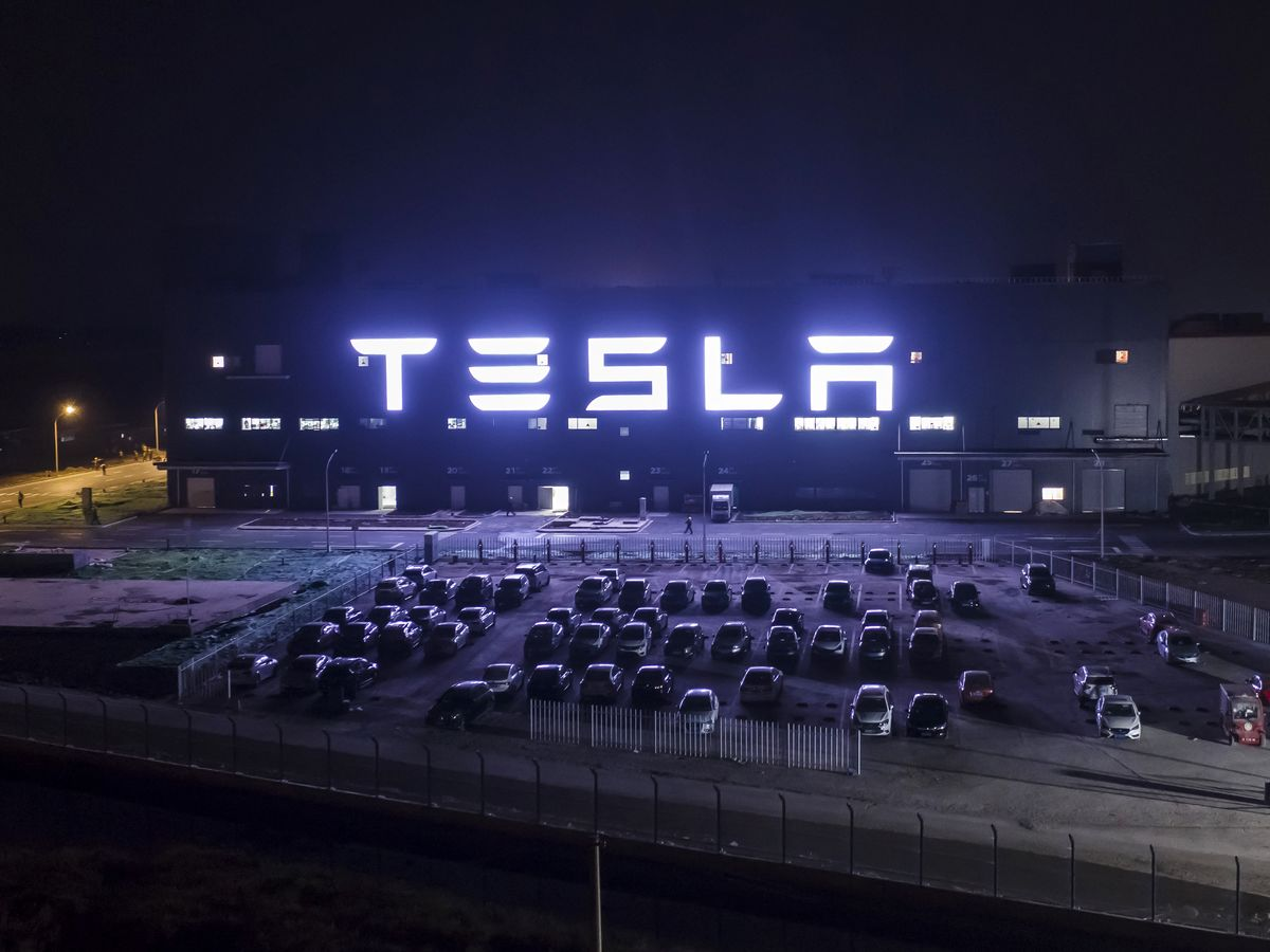 Wall Street Has a New Big Bull on Tesla