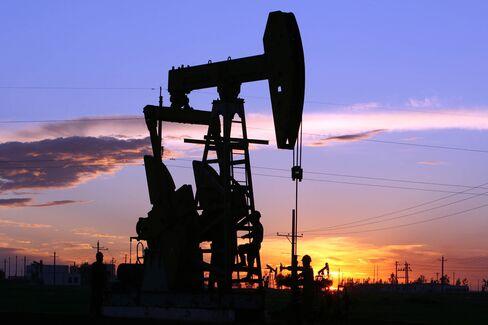 PetroChina pumps oil in China