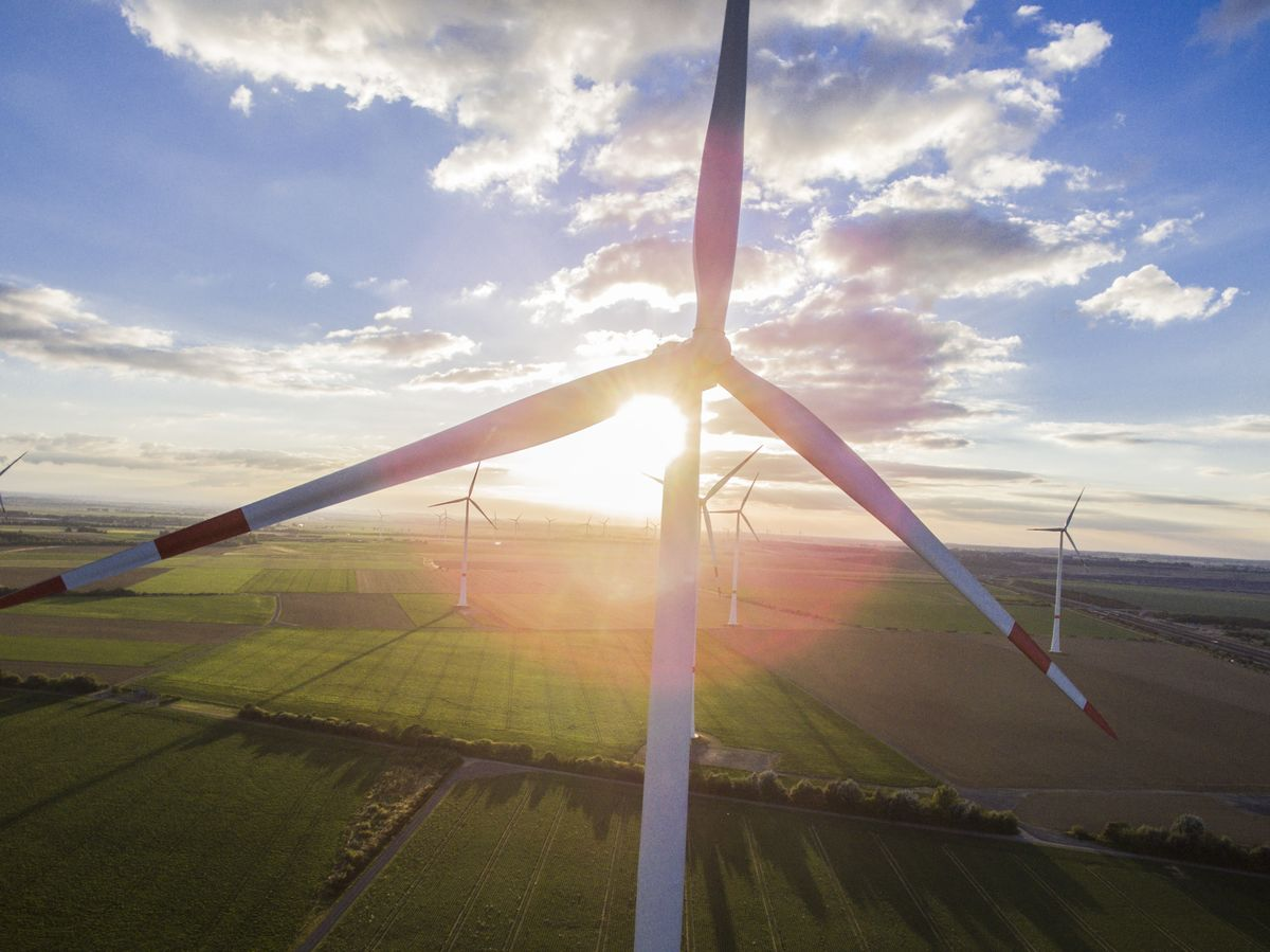 Stiff Winds Blow Power Prices Below Zero Across U.S. Plains