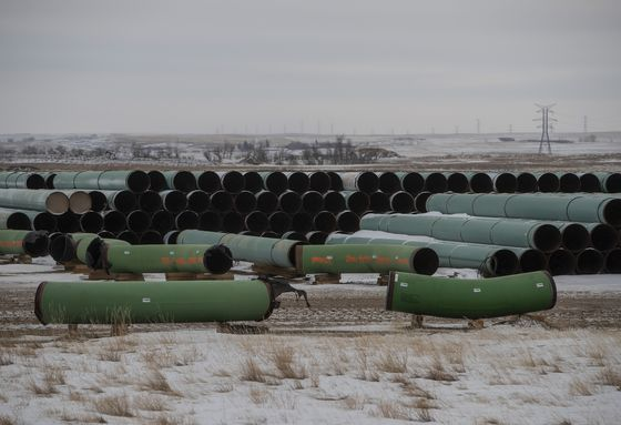 Trudeau's Trade Chief Spurns Nafta Challenge on Keystone XL