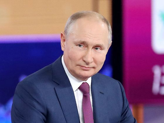 Putin Crushes Last of Opposition Ahead of Parliament Elections