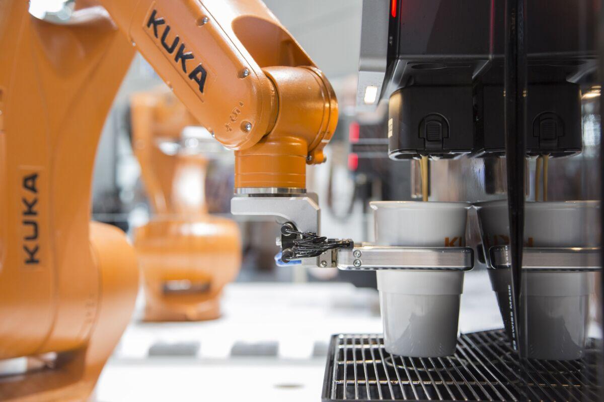 ABB Robotics Targets E-Commerce Giants Amid Automotive Slowdown