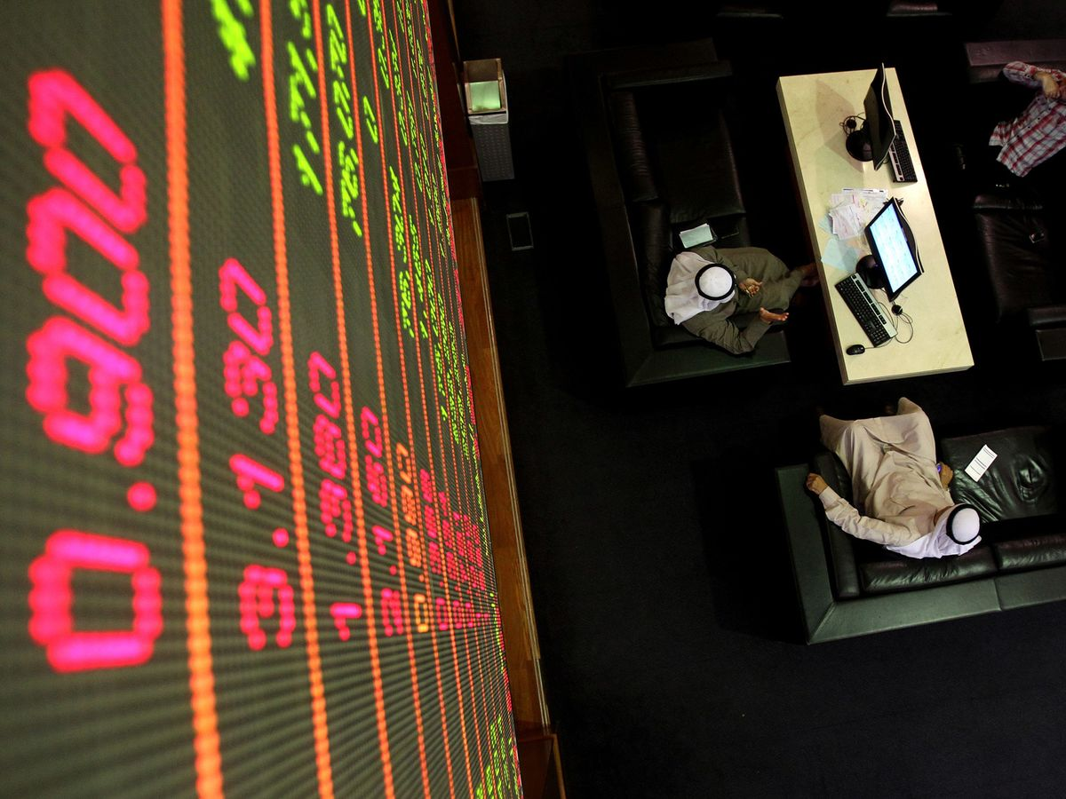 Saudi Banks, Abu Dhabi Stocks Gain Amid Earnings: Inside EM