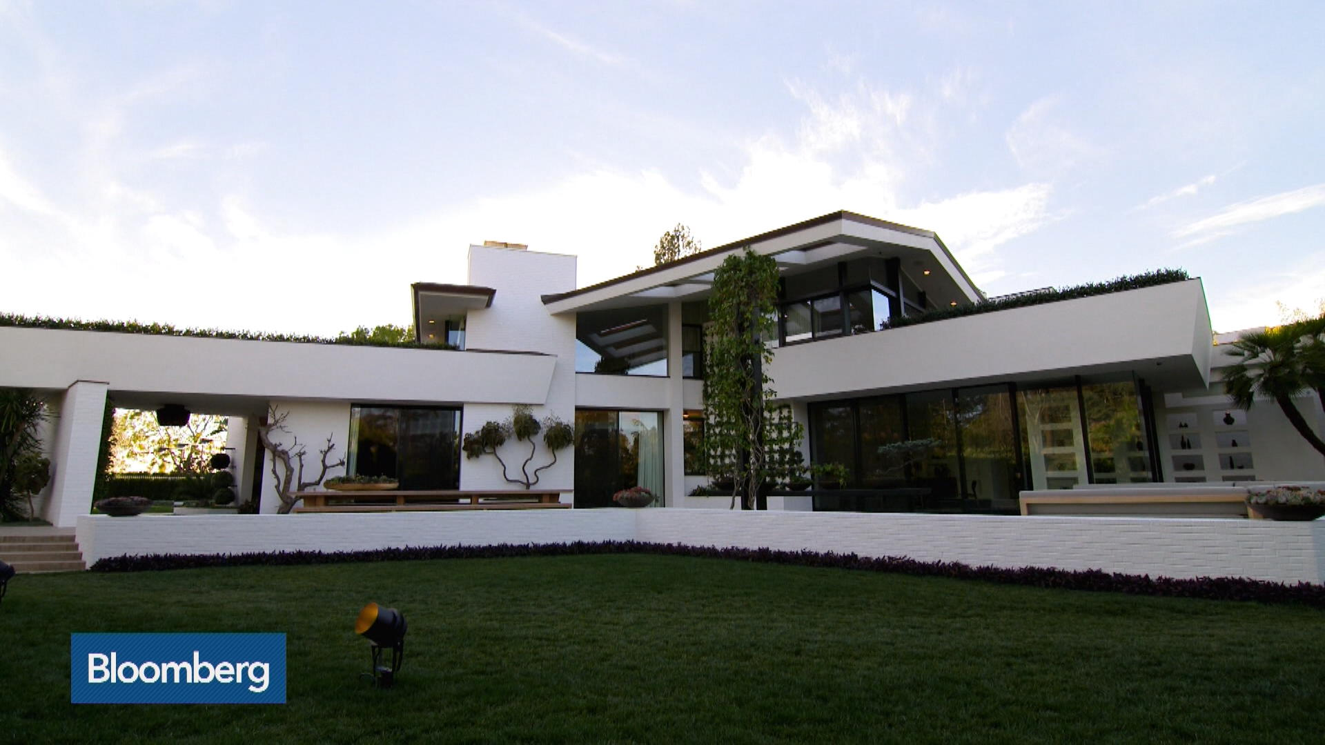 Tour Of Sean Parker S Mansion Bloomberg