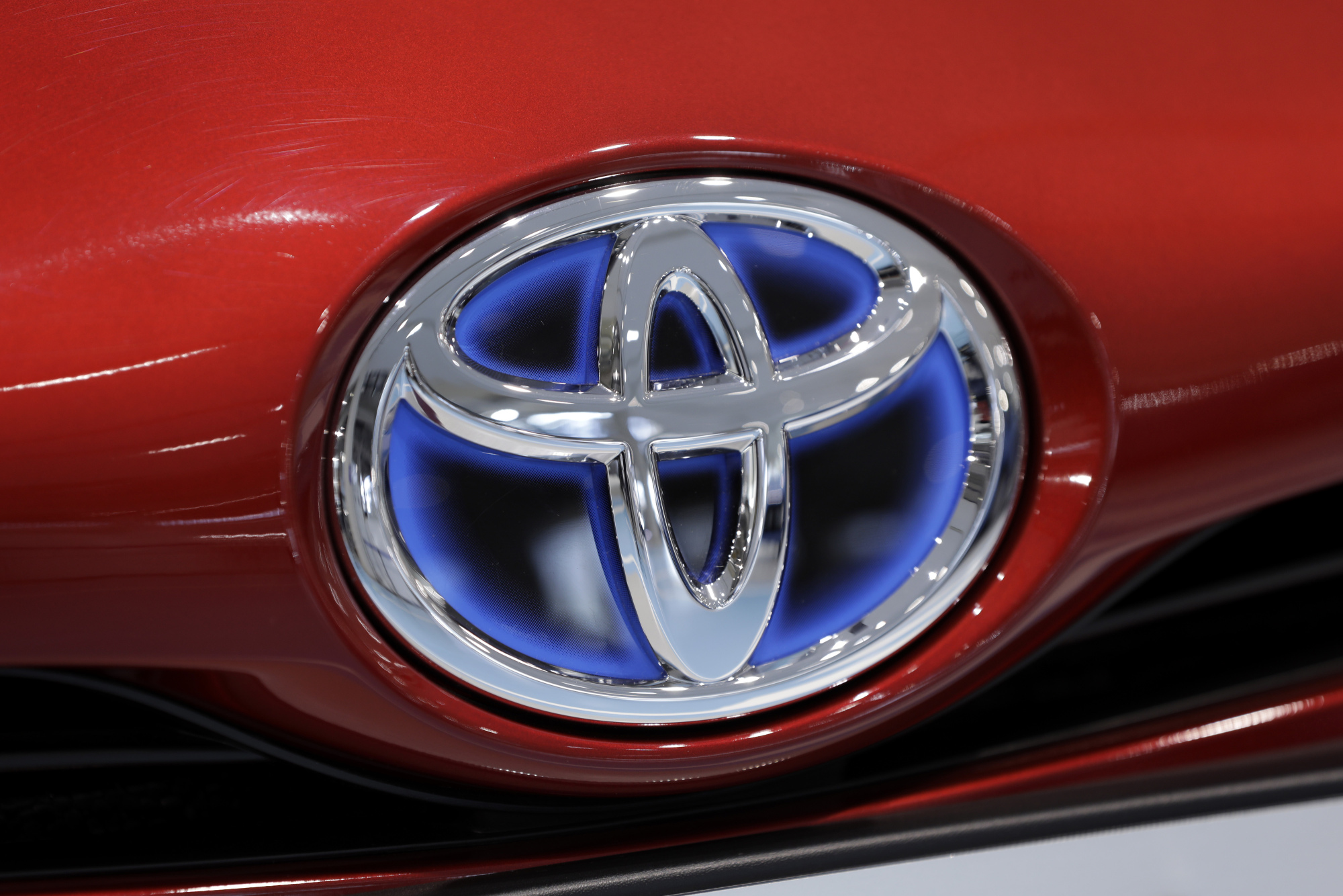 Toyota Agrees to Add Android Auto in Its Cars - Bloomberg