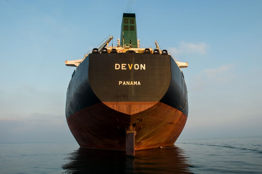 Iranian Oil Tankers Go Dark With 1 1/2 Months to Go to Sanctions