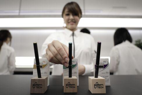 日本たばこ産業(JT)の加熱式たばこ「プルーム・テック」