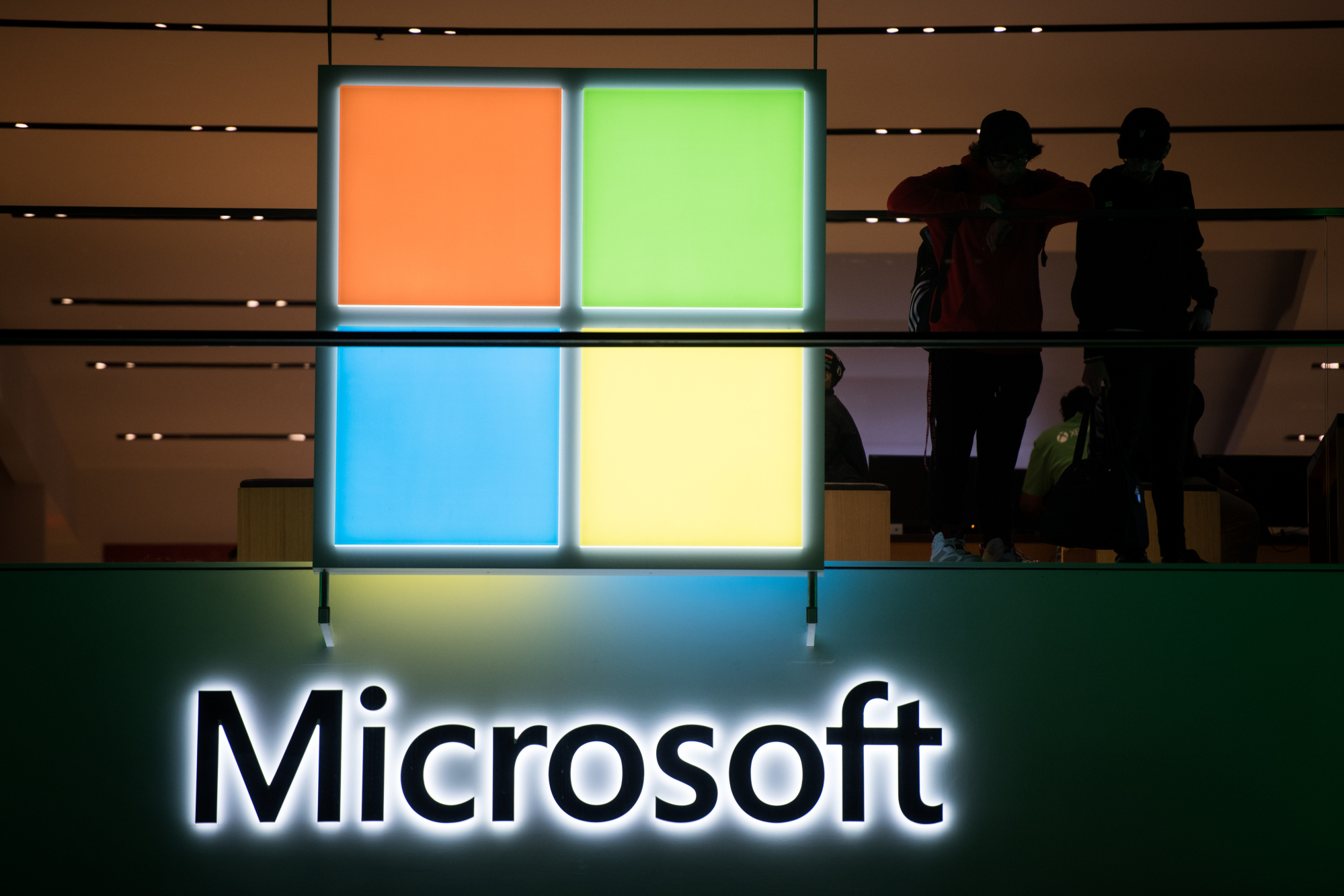 Women At Microsoft Confront Its Worker Friendly Image Bloomberg