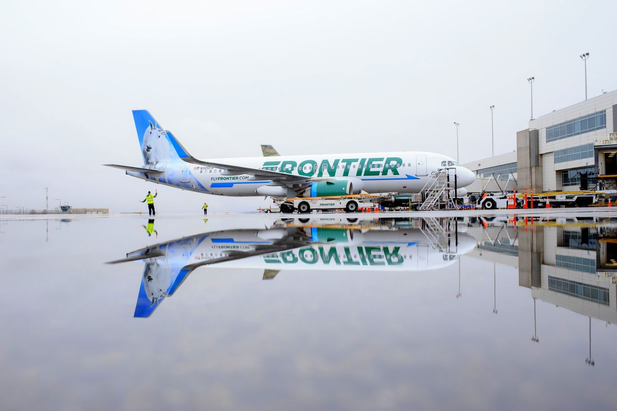 Frontier Group Revives Plans to Sell Shares in New Airline IPO