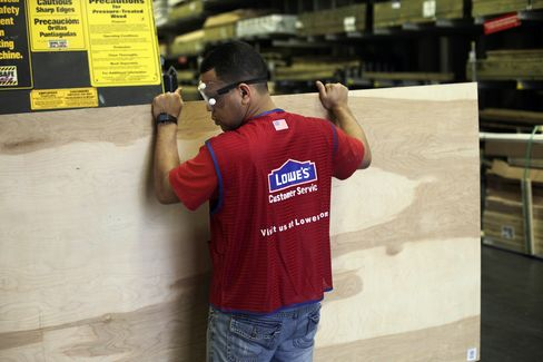 Lowe's Cuts Forecast as Store Sales Trail Estimates