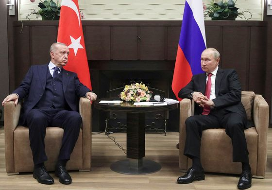 Erdogan Says No Step Back in Defense Cooperation With Russia
