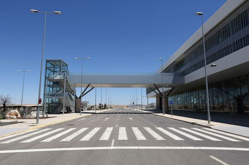 Economic Crisis Forces Mothballing Of Cuidad Real International Airport